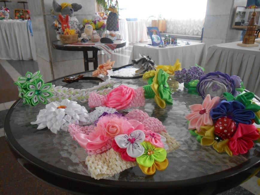 В Днепродзержинске состоялась выставка творческих работ «Виват, талант!» (фото) - фото 5