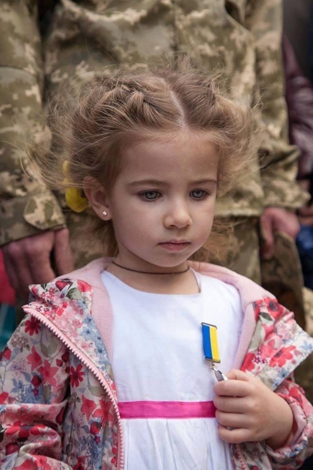 Тысячи украинцев уже обратились в Facebook с требованием автономии от российской администрации (фото) - фото 2