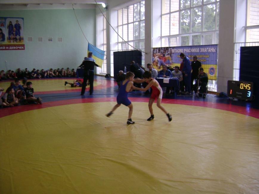 Димитровский спортсмен стал бронзовым призером Всеукраинского турнира по вольной борьбе (ФОТО) (фото) - фото 1
