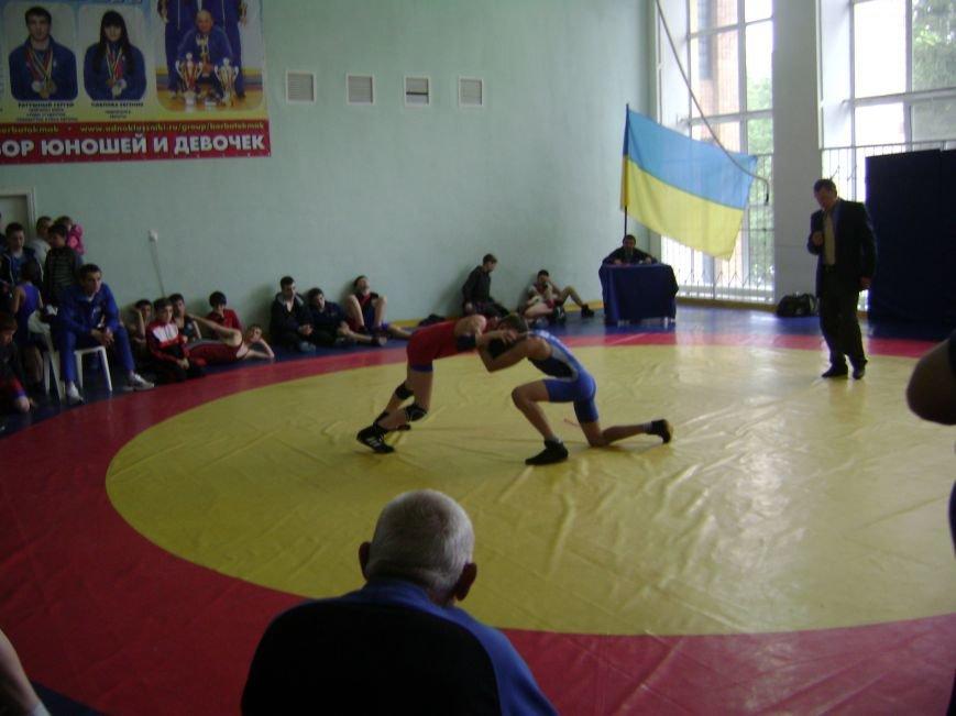 Димитровский спортсмен стал бронзовым призером Всеукраинского турнира по вольной борьбе (ФОТО) (фото) - фото 4