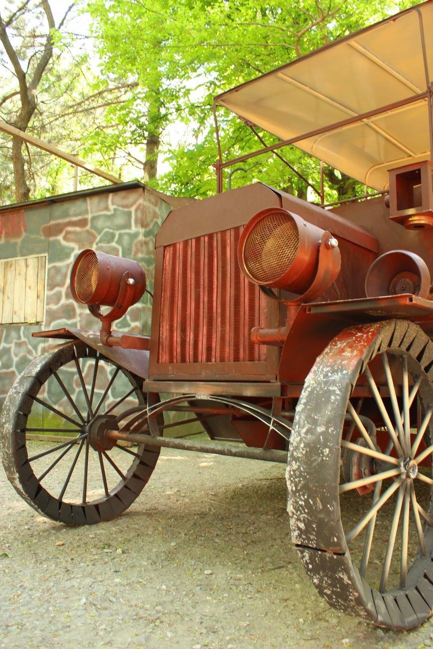 В Детском парке Симферополя появился раритетный «Форд». «Прокатиться» могут все желающие (ФОТОФАКТ), фото-3