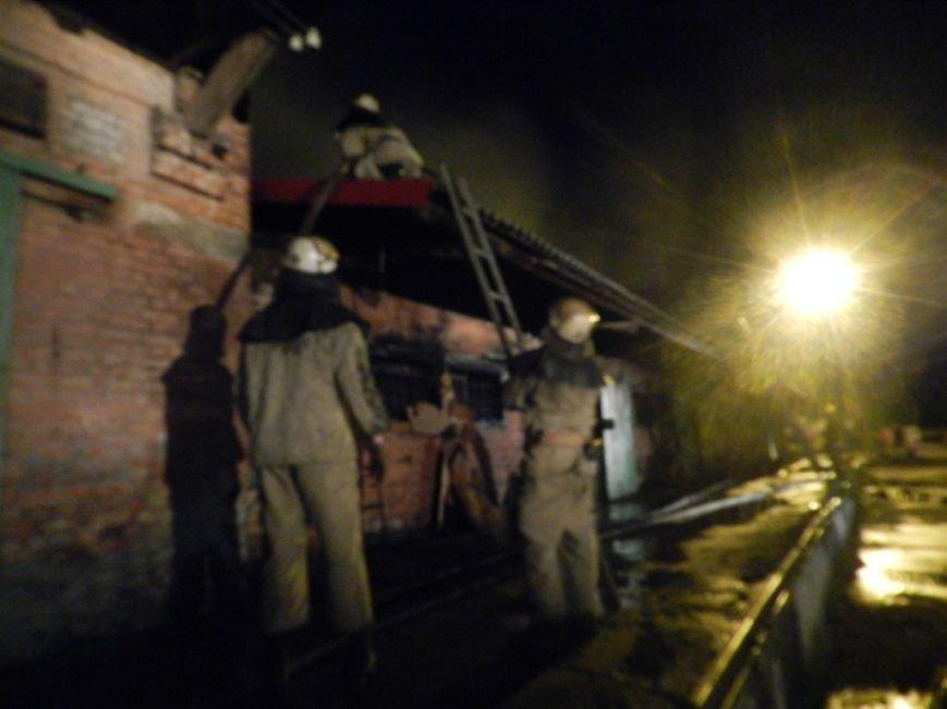 Вчерашний пожар на Херсонской Привокзалке тушили 6 пожарных машин (фото) - фото 2
