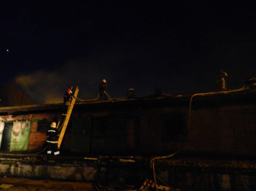 Вчерашний пожар на Херсонской Привокзалке тушили 6 пожарных машин (фото) - фото 1