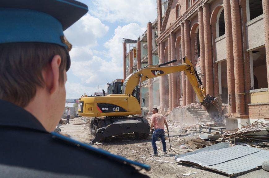 В Волгограде сносят «Мир игрушек» (фото) - фото 2