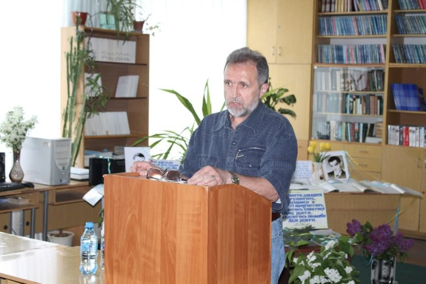 В Славянске прошел круглый стол, посвященный жизни и творчеству украинского поэта Василий Стуса (фото) - фото 1