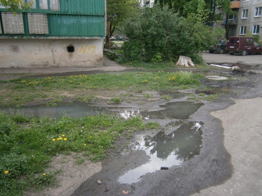 М-н «Светлый» затапливает канализацией, а Новатор – водой, или что не дает Димитровскому водоканалу своевременно устранять порывы (фото) - фото 7