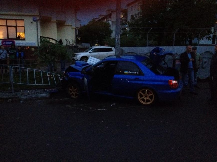 Не розминулись на дорозі: перелом носа і побиті автівки (ФОТО), фото-3