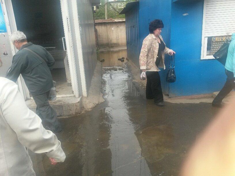 В Мариуполе фекалии затопили овощной рынок (ФОТО), фото-2