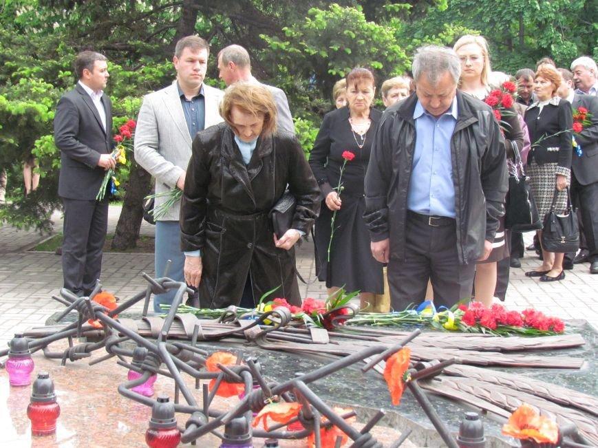 Мариупольцы почтили память жертв политических репрессий (ФОТО), фото-3