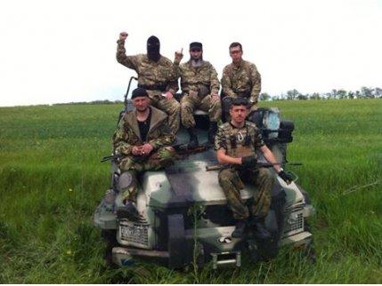 Броневик, угнанный у боевиков в Широкино, будет ездить по Красной площади, - чеченский доброволец, фото-2