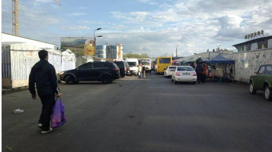 Газоны, тротуары, детские площадки: В Одессе собирают любимые места мастеров парковки 80-го уровня (ФОТО) (фото) - фото 5