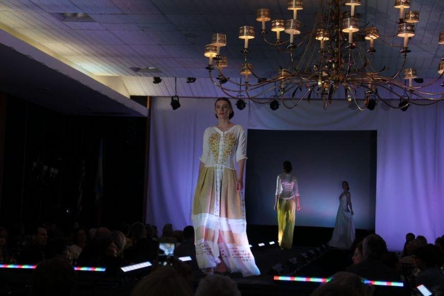 Українська дизайнерка Олена Даць представила власну колекцію в США, щоб зібрати гроші постраждалим на Донбасі (ФОТО) (фото) - фото 3