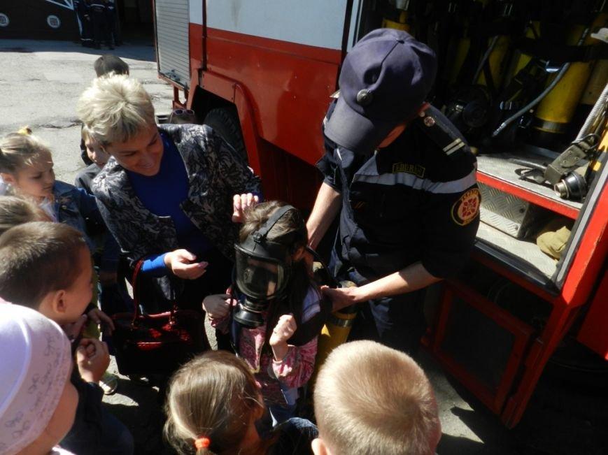 К херсонских спасателей на экскурсию приехали дети (фото) - фото 2
