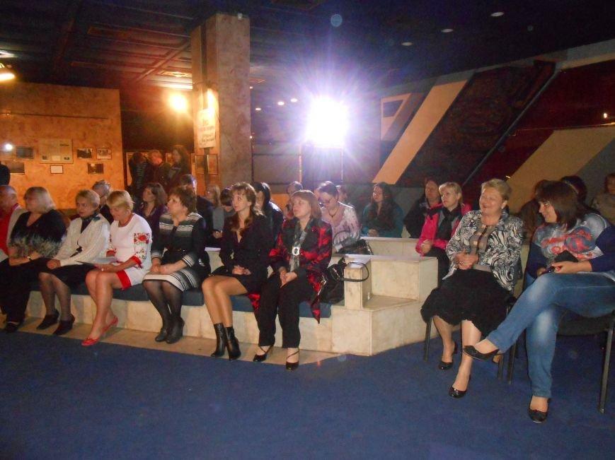 Музейные работники Днепродзержинска отмечают Международный день музеев (фото) - фото 3
