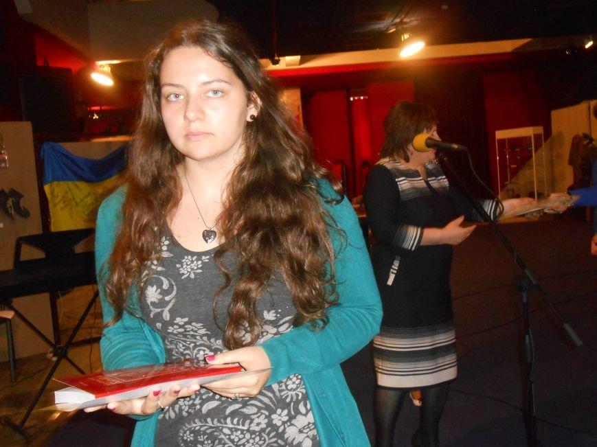 Музейные работники Днепродзержинска отмечают Международный день музеев (фото) - фото 13
