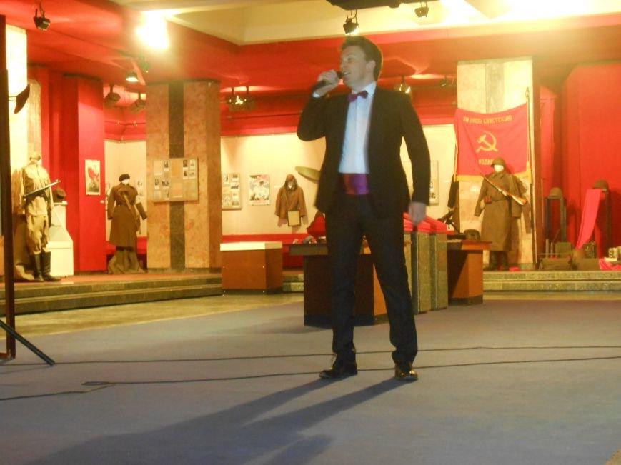 Музейные работники Днепродзержинска отмечают Международный день музеев (фото) - фото 19