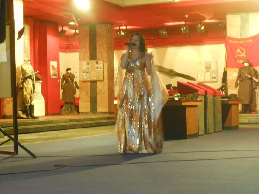 Музейные работники Днепродзержинска отмечают Международный день музеев (фото) - фото 18