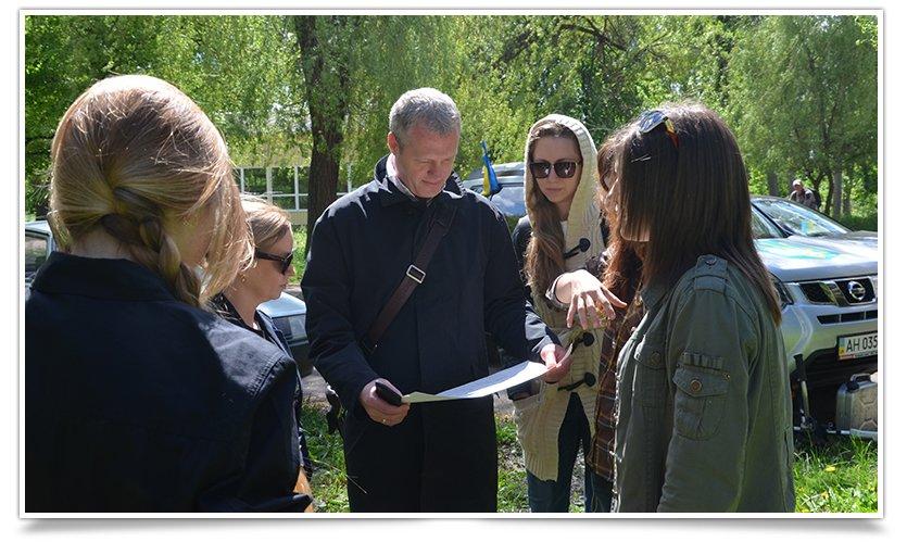 В Славянске день субботников. Первыми начали активисты «Гуртом Славянск» (фото) - фото 4