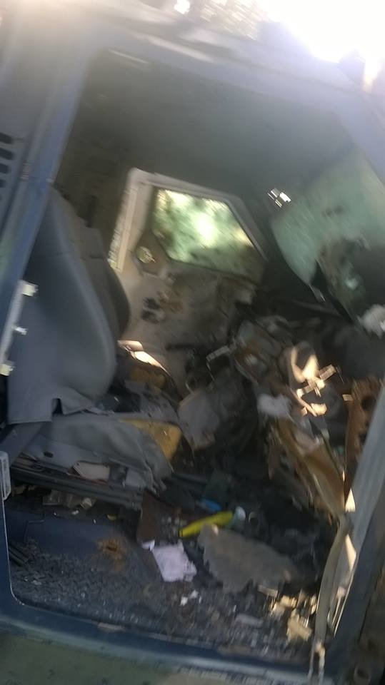 Бронированный автомобиль «Азова», отобранный у боевиков, отправили в ремонт (ФОТО), фото-3