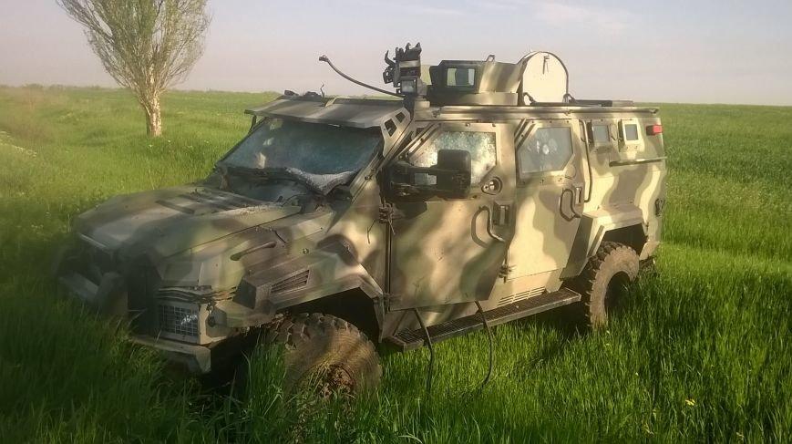 Бронированный автомобиль «Азова», отобранный у боевиков, отправили в ремонт (ФОТО), фото-4