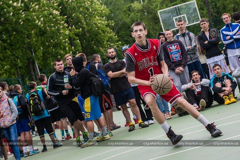В парке Горького стартовал самый большой в Украине хип-хоп фестиваль (ФОТО) (фото) - фото 1