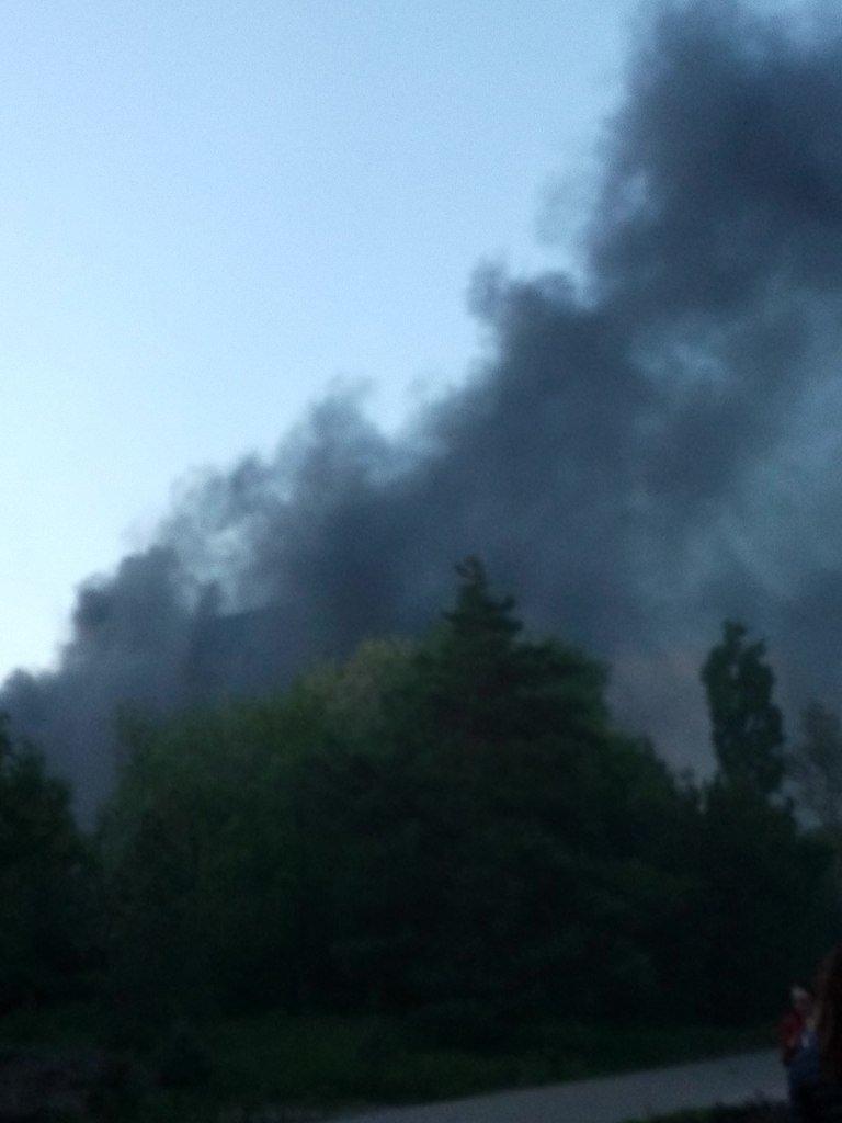В центре Волгограда полыхал огнем строящийся шестиэтажный дом (фото) - фото 1