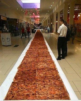 В Одессе испекли гигантскую пиццу (ФОТО) (фото) - фото 1