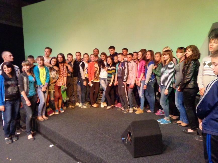 «Я ВЫБИРАЮ ЖИТЬ»: в Красноармейске прошел благотворительный концерт MC Вэла (фото) - фото 15