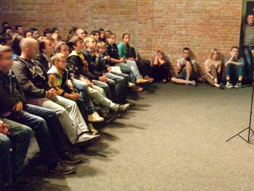 «Я ВЫБИРАЮ ЖИТЬ»: в Красноармейске прошел благотворительный концерт MC Вэла (фото) - фото 12