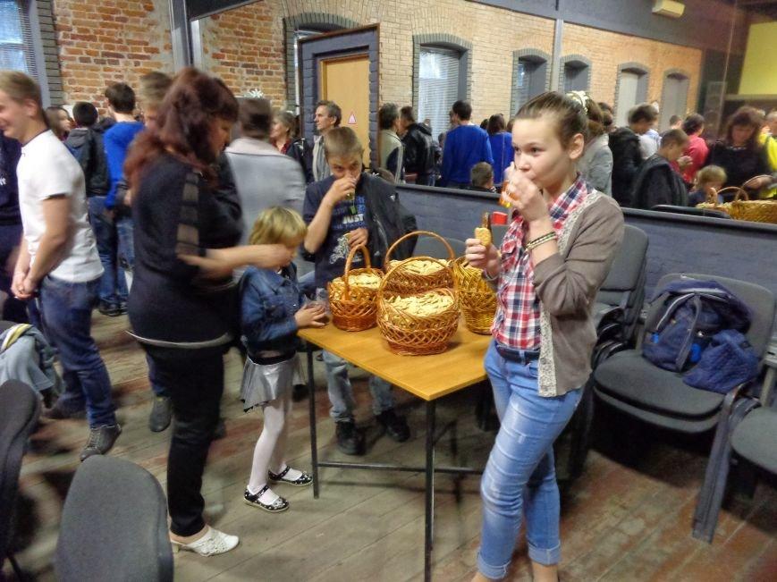 «Я ВЫБИРАЮ ЖИТЬ»: в Красноармейске прошел благотворительный концерт MC Вэла (фото) - фото 14
