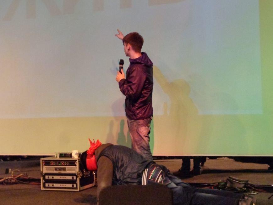 «Я ВЫБИРАЮ ЖИТЬ»: в Красноармейске прошел благотворительный концерт MC Вэла (фото) - фото 6