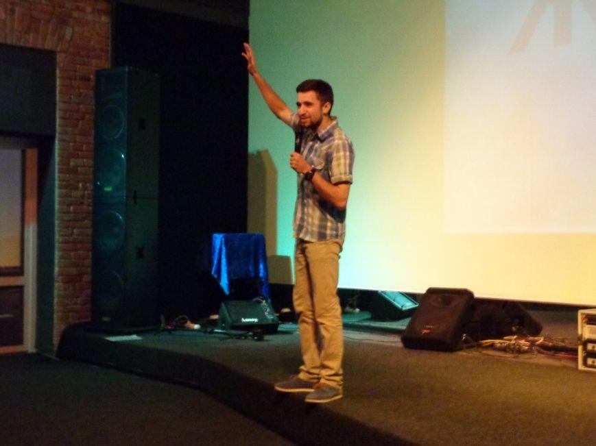 «Я ВЫБИРАЮ ЖИТЬ»: в Красноармейске прошел благотворительный концерт MC Вэла (фото) - фото 3