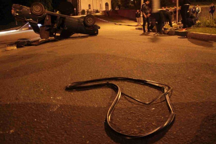 ДТП в Сумах: «семерка» проехала на красный, врезалась и перевернулась (ФОТО), фото-14
