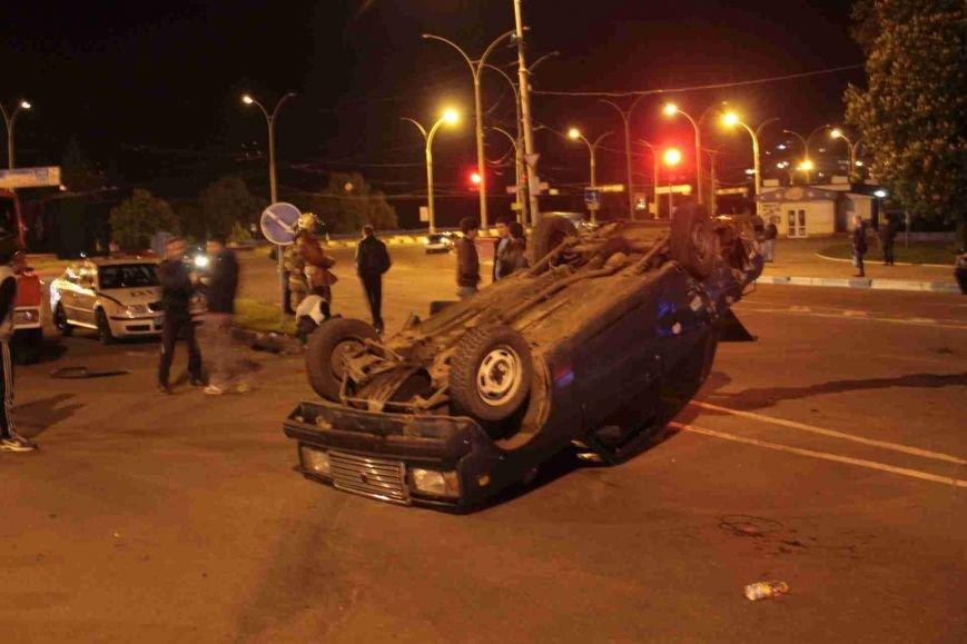 ДТП в Сумах: «семерка» проехала на красный, врезалась и перевернулась (ФОТО), фото-4
