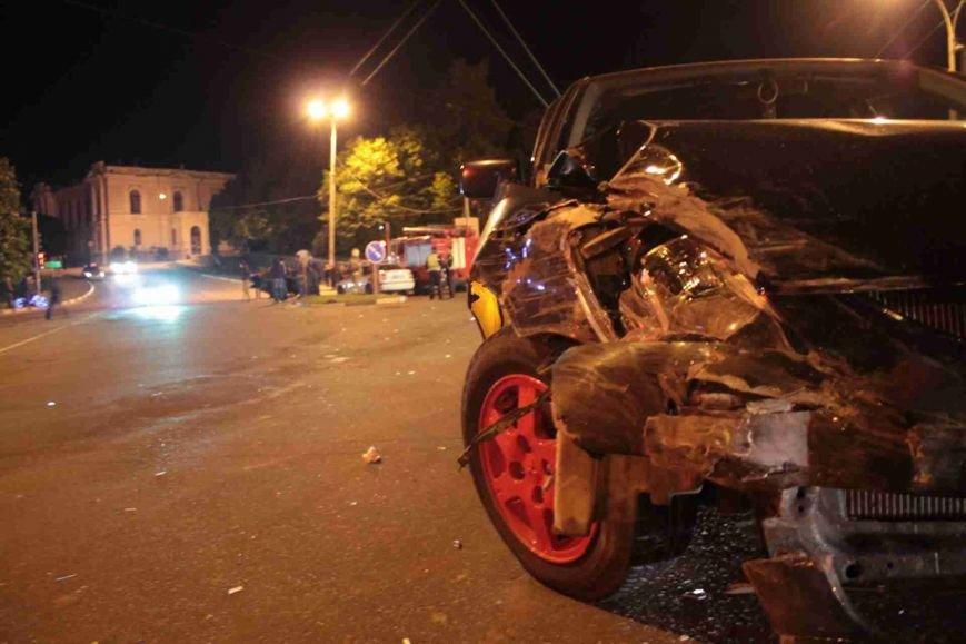 ДТП в Сумах: «семерка» проехала на красный, врезалась и перевернулась (ФОТО), фото-7
