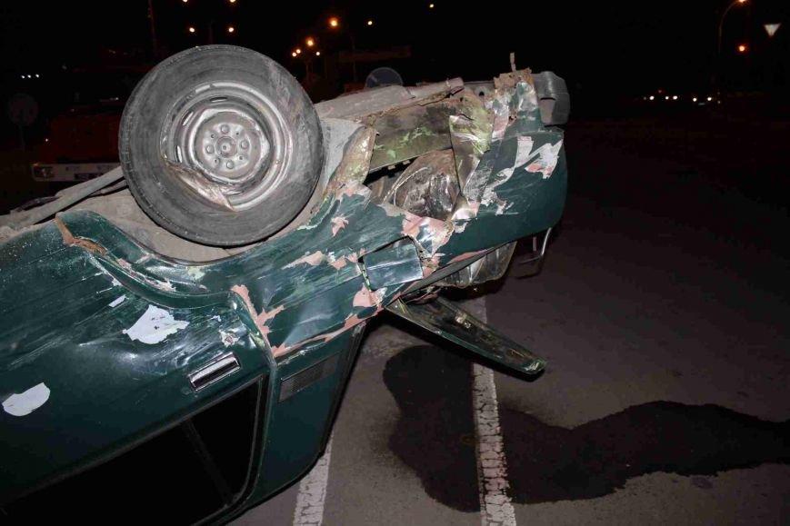 ДТП в Сумах: «семерка» проехала на красный, врезалась и перевернулась (ФОТО), фото-2