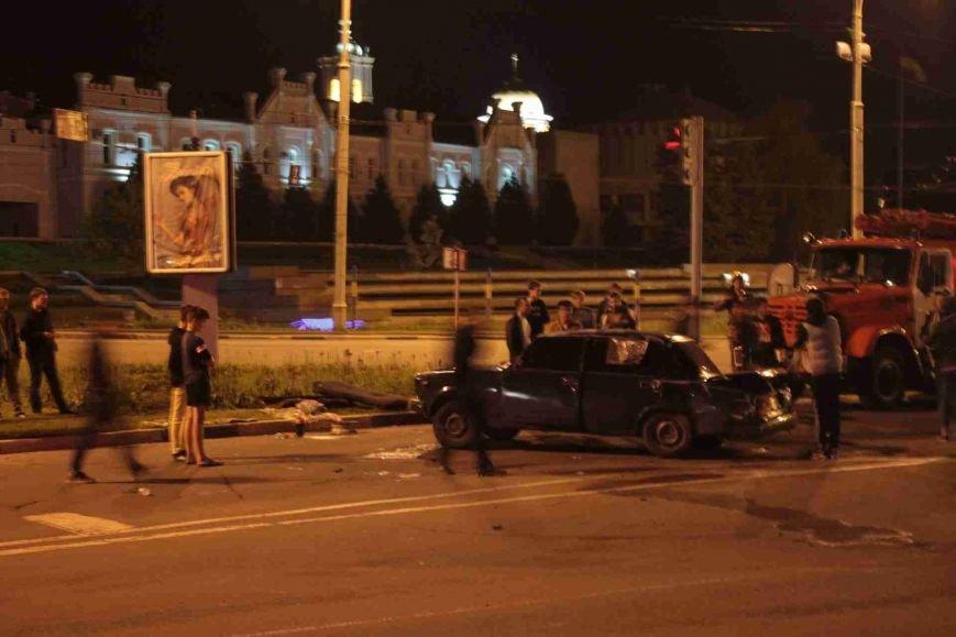ДТП в Сумах: «семерка» проехала на красный, врезалась и перевернулась (ФОТО), фото-1