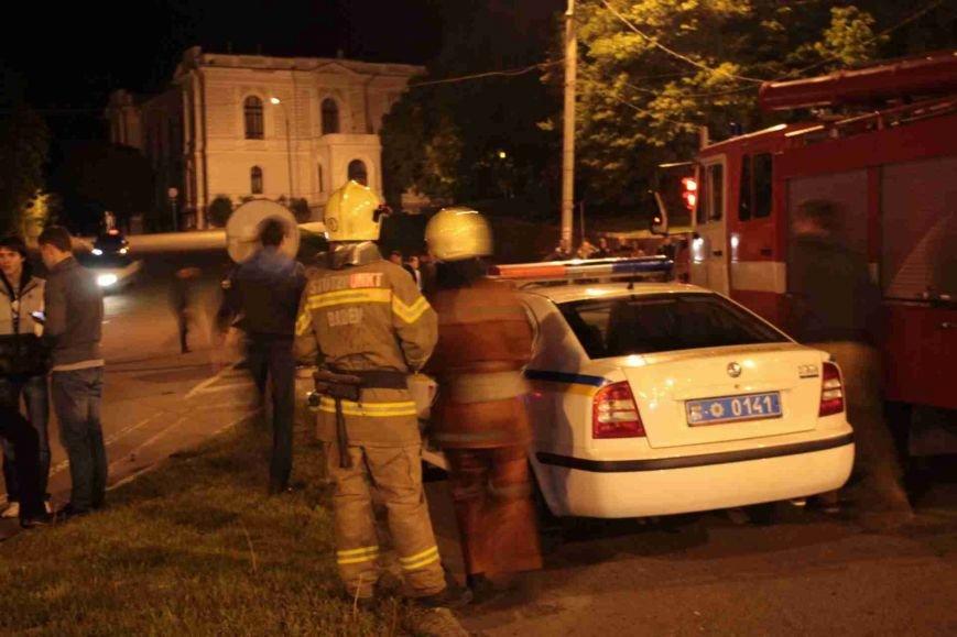 ДТП в Сумах: «семерка» проехала на красный, врезалась и перевернулась (ФОТО), фото-9