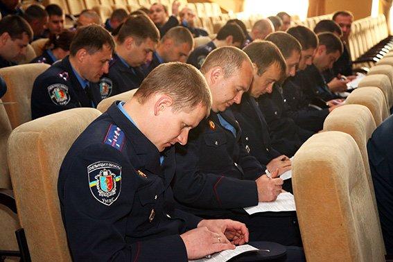Працівники слідчого управління та УБОЗу склали заліки із професійної підготовки (фото) - фото 5