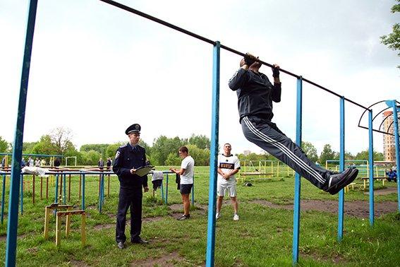 Працівники слідчого управління та УБОЗу склали заліки із професійної підготовки (фото) - фото 7