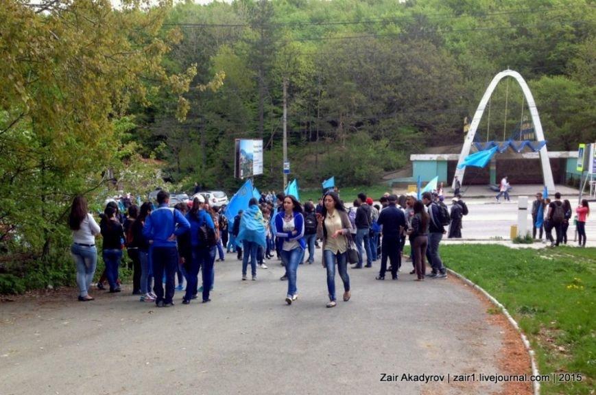Накануне Дня депортации более 3 тысяч крымских татар поднялись на Чатыр-Даг, скандируя «Народ! Родина! Крым!» (ФОТОРЕПОРТАЖ), фото-2