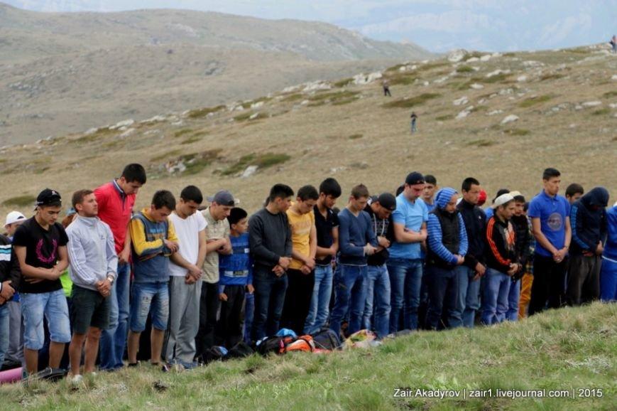 Накануне Дня депортации более 3 тысяч крымских татар поднялись на Чатыр-Даг, скандируя «Народ! Родина! Крым!» (ФОТОРЕПОРТАЖ), фото-14