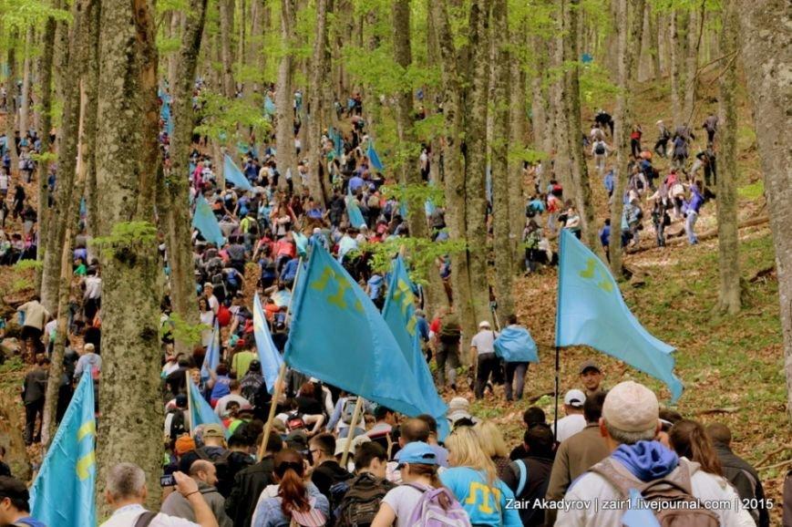 Накануне Дня депортации более 3 тысяч крымских татар поднялись на Чатыр-Даг, скандируя «Народ! Родина! Крым!» (ФОТОРЕПОРТАЖ), фото-5