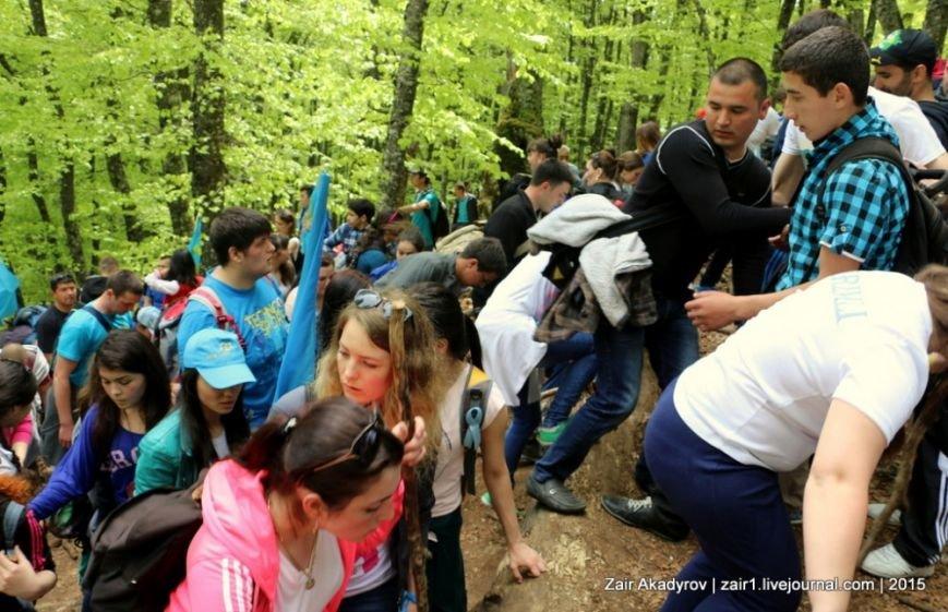 Накануне Дня депортации более 3 тысяч крымских татар поднялись на Чатыр-Даг, скандируя «Народ! Родина! Крым!» (ФОТОРЕПОРТАЖ), фото-6
