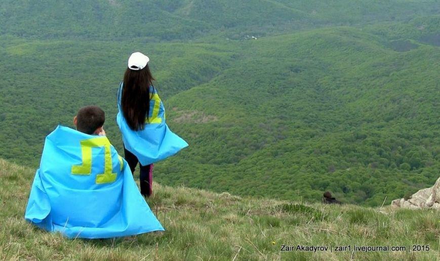 Накануне Дня депортации более 3 тысяч крымских татар поднялись на Чатыр-Даг, скандируя «Народ! Родина! Крым!» (ФОТОРЕПОРТАЖ), фото-17