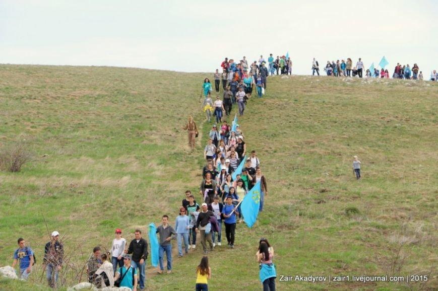 Накануне Дня депортации более 3 тысяч крымских татар поднялись на Чатыр-Даг, скандируя «Народ! Родина! Крым!» (ФОТОРЕПОРТАЖ), фото-12