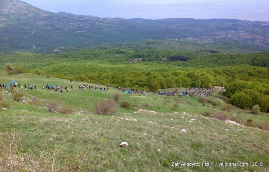 Накануне Дня депортации более 3 тысяч крымских татар поднялись на Чатыр-Даг, скандируя «Народ! Родина! Крым!» (ФОТОРЕПОРТАЖ), фото-19