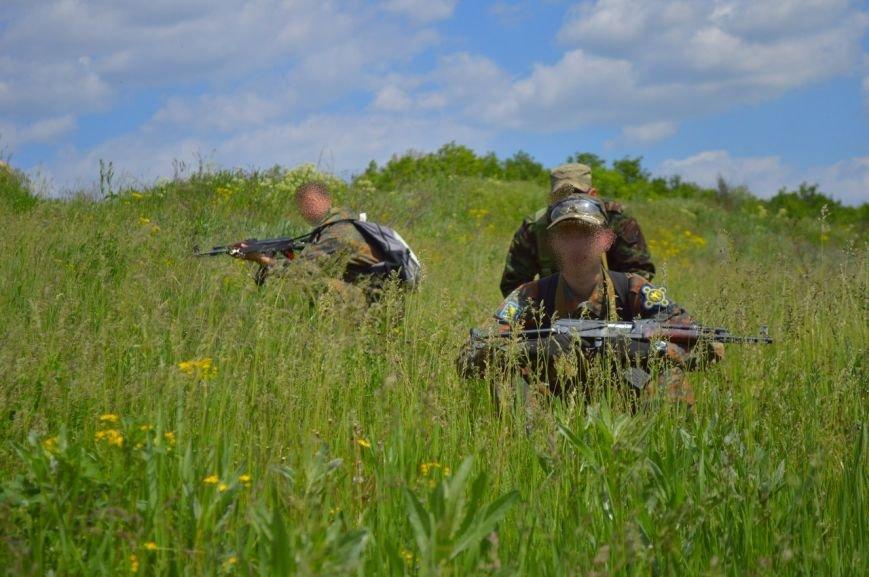 В Кривом Роге активисты изучали диверсионную работу разведывательных групп на вражеской территории (ФОТО) (фото) - фото 1