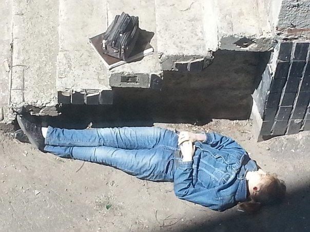 На Героев Труда рядом с многоэтажкой обнаружили труп девочки-подростка (ОБНОВЛЕНО) (фото) - фото 1