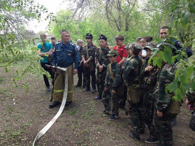 Перед летними каникулами школьники побывали на экскурсии у волгоградских пожарных, фото-3